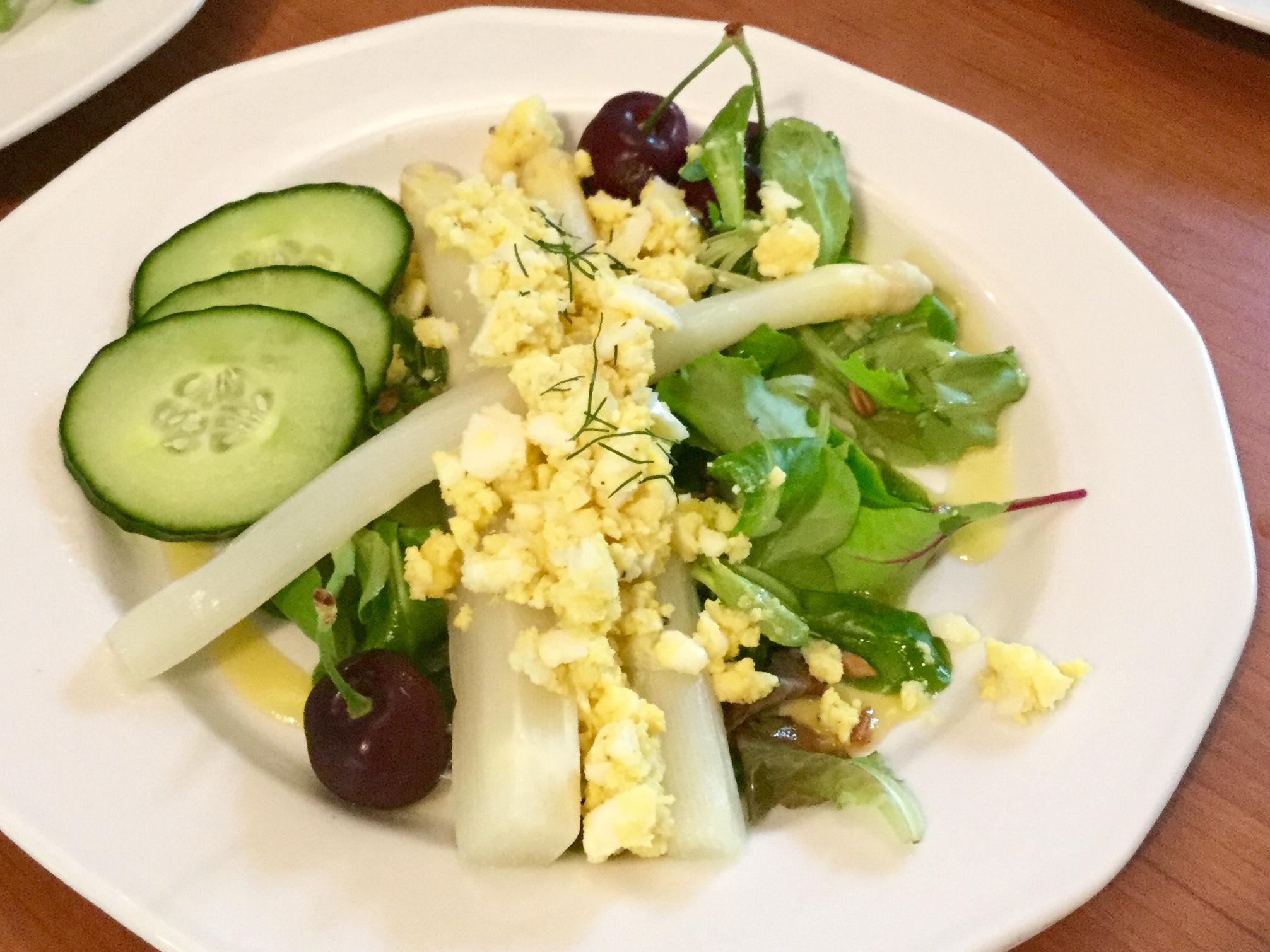 Asperges op salade